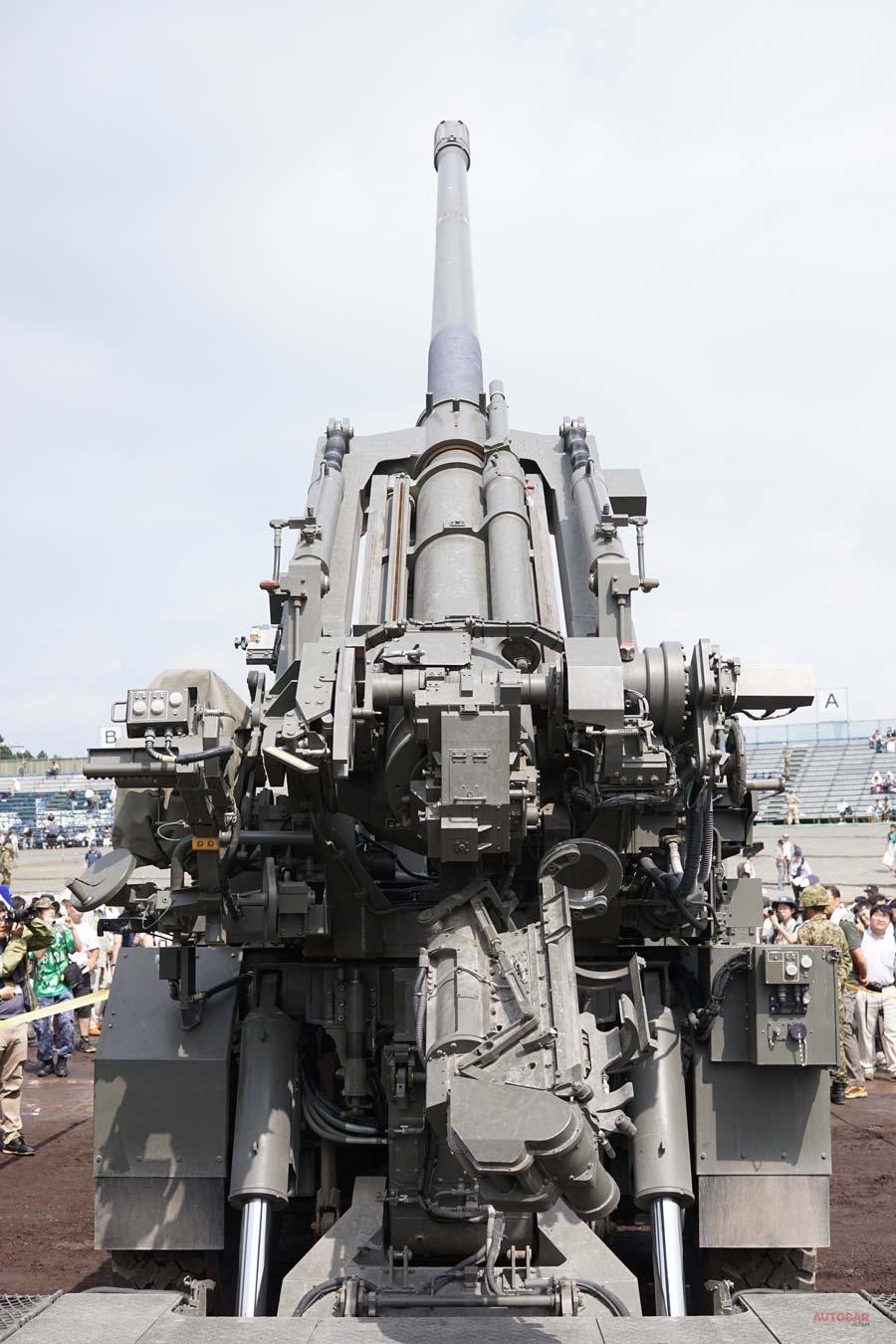 19式装輪155mm自走りゅう弾砲