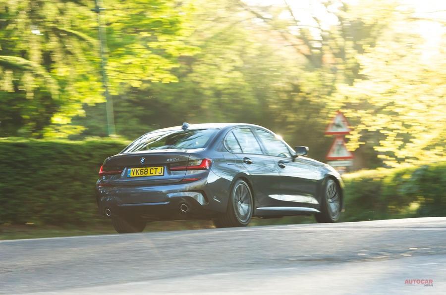 今回BMWグループでは、アップルカープレイのサブスクリプション料を廃止する考えを示した。