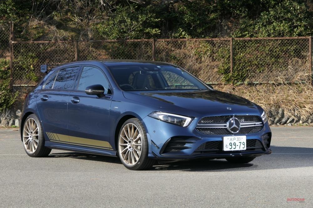 メルセデスAMG A 35 4マティック。写真は限定車の「エディション1」のため235/35R19サイズのタイヤを履く。