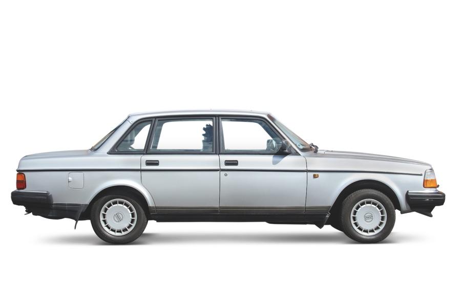 ボルボ240シリーズ(1974〜1993年/英国仕様)