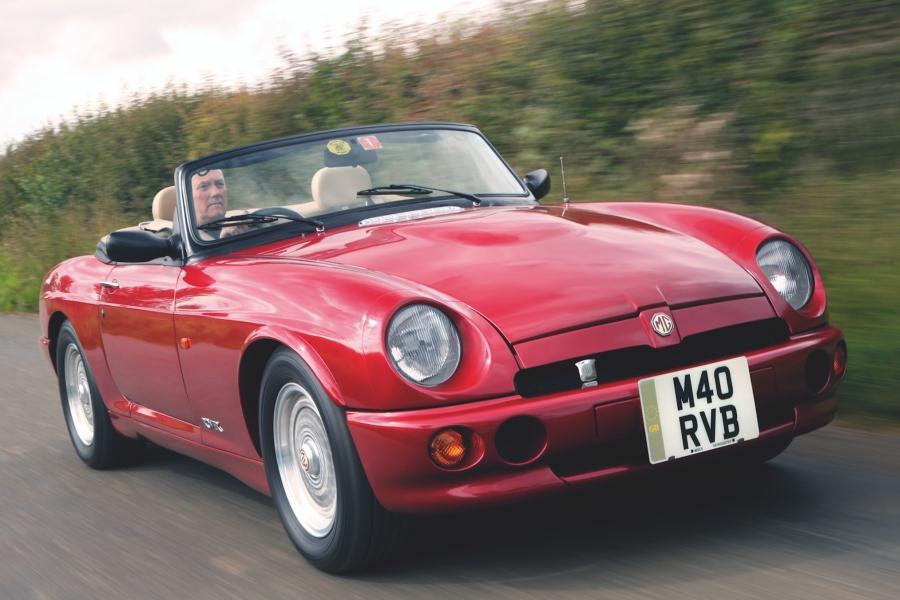 MG RV8(1992〜1995年/英国仕様)