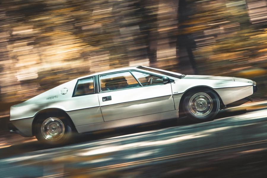 ロータス・エスプリ・シリーズ1(1978年/英国仕様)「私を愛したスパイ」ボンドカー・レプリカ